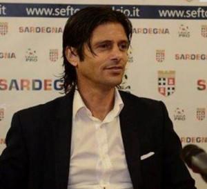 Vincenzo Cosco, è morto l'allenatore della Torres (foto Ansa)
