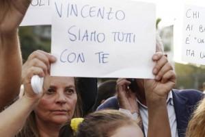 Vincenzo Iacolare condannato a 12 anni: violentò ragazzino col compressore