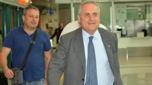 http://www.blitzquotidiano.it/sport/lazio-sport/calciomercato-lazio-robin-van-persie-a-un-passo-trattativa-col-manchester-united-2202788/