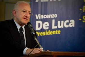 Vincenzo De Luca sospeso, salta insediamento consiglio regionale