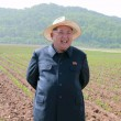 Kim Jong-un, leader Corea del Nord vestito da agricoltore visita fattoria02