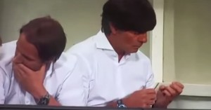 "VIDEO YouTube - Loew, manicure mentre Germania travolge Gibilterra: ""Gesto irrispettoso"""