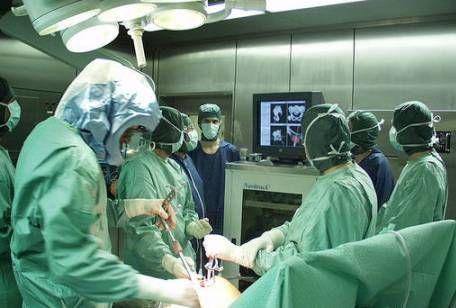 Operazione-medica.jpg (456×308)