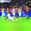 Juventus-Barcellona, Dani Alves stende Pogba: era rigore?