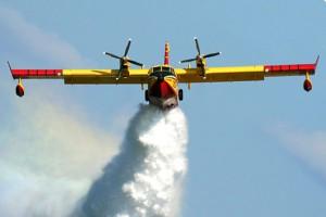 Sicilia, piloti e aerei antincendio fantasma: sigilli a quattro società