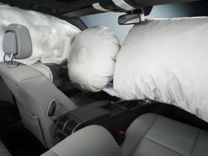 Airbag difettosi anche se riparati: nuovi richiami per Bmw, Toyota, Ford, Nissan
