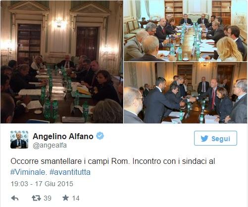 """Alfano sale sulla ruspa di Salvini: """"Smantellare i campi rom"""""""