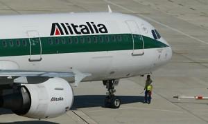 Fiumicino, gabbiano contro aereo: atterraggio d'emergenza per volo Alitalia