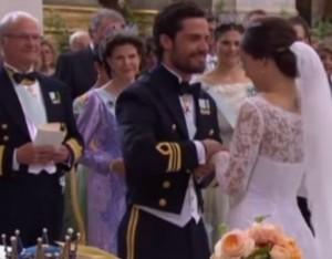 VIDEO YouTube - Nozze Sofia Hellqvist e Carlo Filippo, l'anello non entra