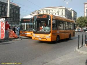 Napoli, borseggiatori sfilano 800 euro a 2 turiste. Autista bus li fa arrestare