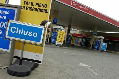 Sciopero benzinai sulle autostrade dal 23 al 25 giugno. Info e orari