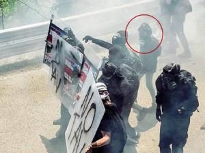 """Mara, black bloc che lancia pietre: """"Della Tav non so niente"""""""