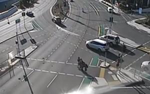 Video YouTube - Brisbane, schianto in moto: quattro studenti salvi per un soffio