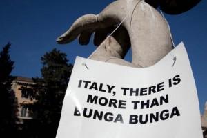 Berlusconi, 10mln a Olgettine (7 a Ruby) per silenzio su Arcore. Dice la Procura
