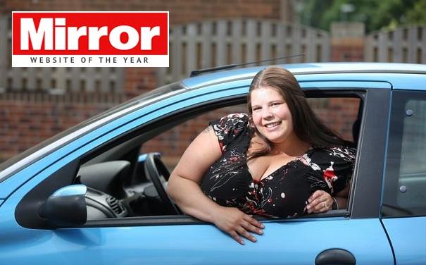 """Sarah Foster, mamma con due airbag speciali: """"Salva grazie ai miei seni XXL"""""""