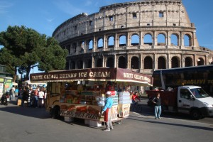 Roma, camion bar via da Colosseo-Fori Imperiali. Marino invita Renzi per una passeggiata
