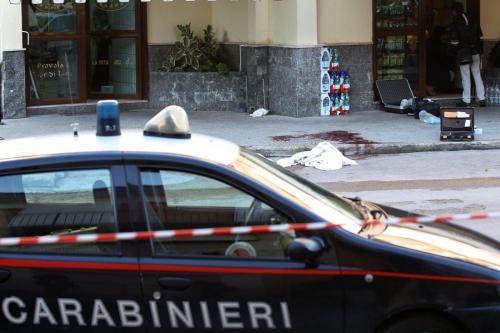 Roma, scheletro in un furgone in zona Tuscolana. Mistero: omicidio?