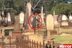 """VIDEO YouTube - Toowoomba, cimitero record: """"E' il più infestato al mondo"""""""