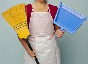 Meno colf, più italiane: 200mila fanno i lavori di casa (altrui)