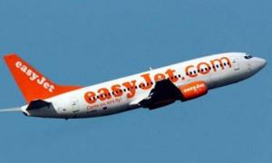 Easyjet assume 1000 persone in Italia: piloti, hostess, steward...