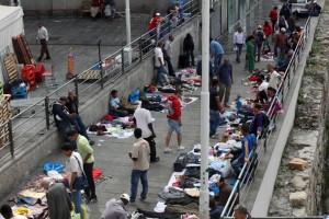 Ambulanti abusivi - merce rubata: sinistra tollera e Genova vota Lega