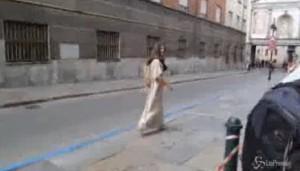 Gesù di Torino aspetta Papa Francesco davanti a Sindone VIDEO