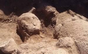 """Mont'e Prama (Oristano) """"città dei giganti"""": tombe, strade, edifici antichi"""