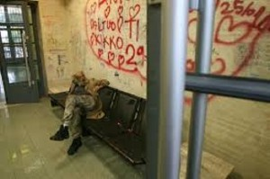 Genova: clochard pestati con bastoni e catene alla stazione Quinto