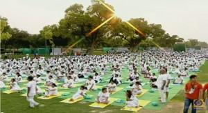 VIDEO YouTube. Yoga Day in India: in 35mila da 84 Paesi, 2 Guinness Record vinti