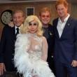 Lady Gaga con l'abito sexy all'incontro con il principe Harry03