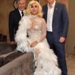 Lady Gaga con l'abito sexy all'incontro con il principe Harry02
