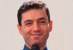 """Luca Di Tolve """"era gay"""" (Povia) e oggi cura l'omosessualità in un convento"""