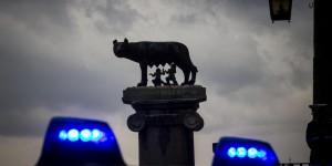 """Roma, procuratore Pignatone: """"Con Alemanno l'apice di Mafia Capitale"""""""