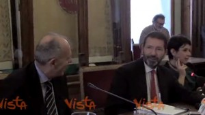 Video YouTube - Marino in conferenza stampa glissa sulla domanda su Renzi