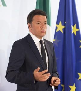 """Lega: assedio alle prefetture. Renzi: """"Maroni, e quando li accoglievi tu..?"""""""