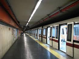 Roma, metro A San Giovanni chiusa due ore per un furto di rame
