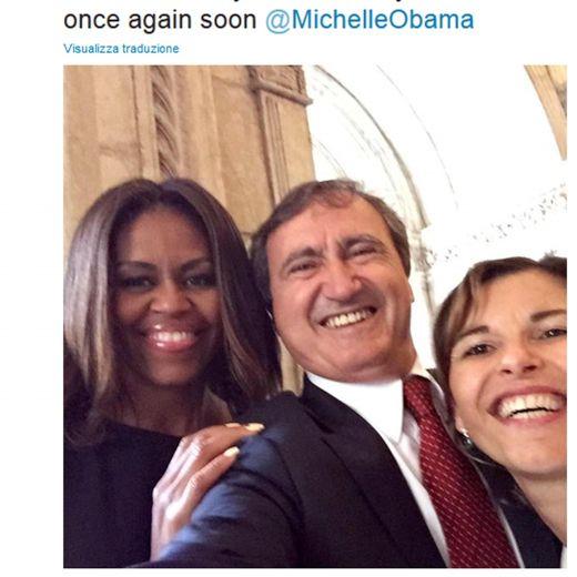 Michelle Obama a Venezia, selfie con il neo-sindaco Brugnaro FOTO