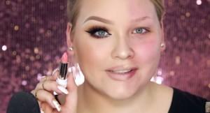 VIDEO YouTube - Trucca solo metà viso, da acqua e sapone a star