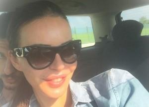 """Nina Moric, canzone per Fabrizio Corona? Lei: """"Gli dedico solo cartelle equitalia"""""""