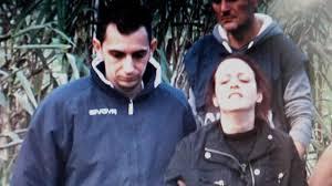 """Andrea Loris Stival, Veronica Panarello davanti alla scuola: """"Qui il mio incubo"""""""