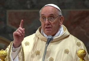 """Papa Francesco contro la corruzione: """"Non annacquate la vostra dignità"""""""