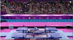 Video YouTube: tappeti elastici, sbaglia il salto. Salvato dall'osservatore