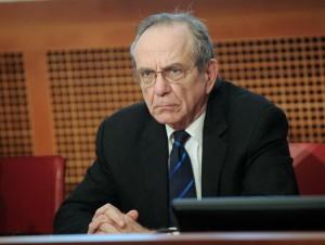 Padoan precisa: l'Italia ha prestato alla Grecia 35,9 miliardi di euro