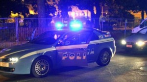 Roma, tredicenne accoltella la mamma e scappa di casa