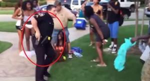 VIDEO YouTube - Poliziotto estrae pistola contro ragazzini neri per...schiamazzi