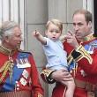Principe William posa come Carlo: figlioletto George in braccio FOTO 10