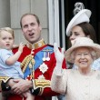 Principe William posa come Carlo: figlioletto George in braccio FOTO 12