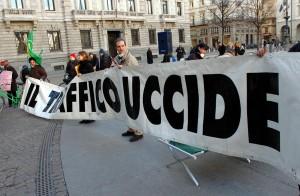 Inquinamento costa agli italiani 10 mesi di vita, Milano in testa
