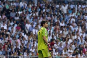 Calciomercato Roma, Casillas si offre. Ma guadagna troppo