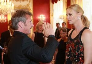 "Charlize Theron e Sean Penn si sono lasciati, Us Weekly: """